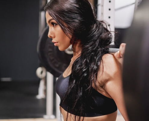 Five reasons why women should lift weights